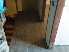 Mattonelle gres effetto legno battiscopa & massetto.