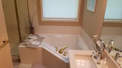 Help! Replacing corner tub: freestanding, alcove soaking, or drop-in?