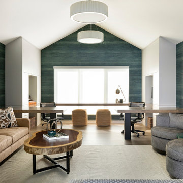 Contemporary Luxury on the Lake in Deephaven