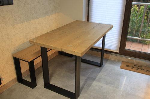 mesa y banco en hierro y madera maciza
