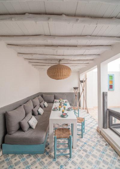 Prima e dopo un riad abbandonato diventa una casa per le - Sala marocchina usata ...