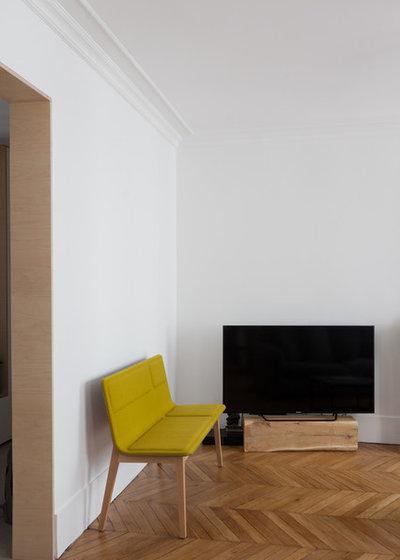 Moderne Salle de Séjour by atelier daaa