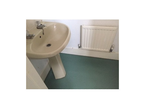 Champagne Colour Loo And Basin In Small Bathroom What To Do