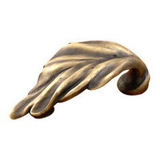 Vineyard Large Leaf Cup Pull, Antique Bronze