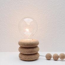 Ugens DIY: Lav en personlig natlampe i kork