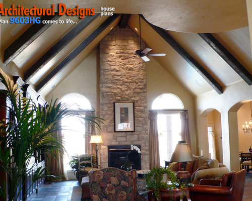 Traditional Living Room Idea In Oklahoma City
