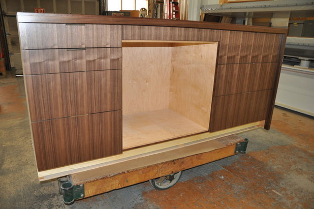 many custom cabinet shops donu0027t do any finishing or else they finish with just a stain and a conversion varnish which is a typical finish for cabinet - Cabinet Stain
