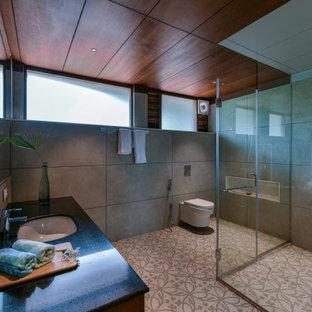 Esempio di una stanza da bagno tropicale