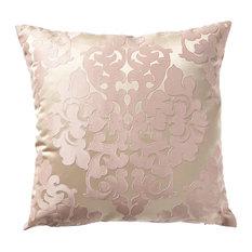 Julie Pillow, Pink