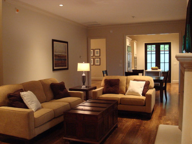 Traditional Living Room Staging Designs