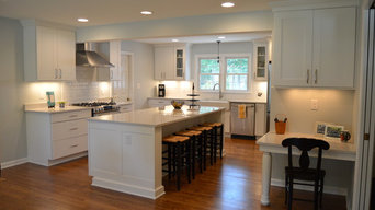 Kitchen Remodel with White Copenhagen Cabinets, Lagoon Tops and Subway Tile