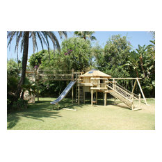 5-deck treehouse by Treehouse Life