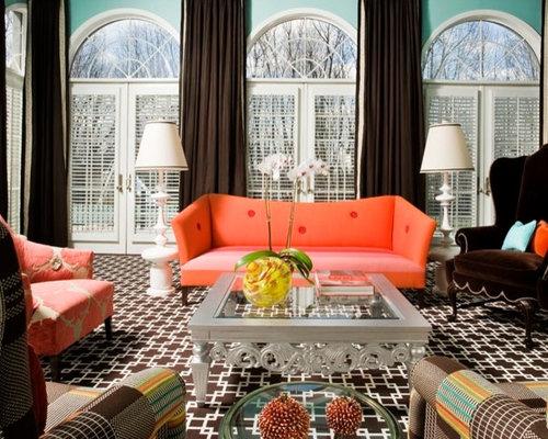 Salon avec un sol en moquette mur bleu canard photos et for Moquette bleu canard