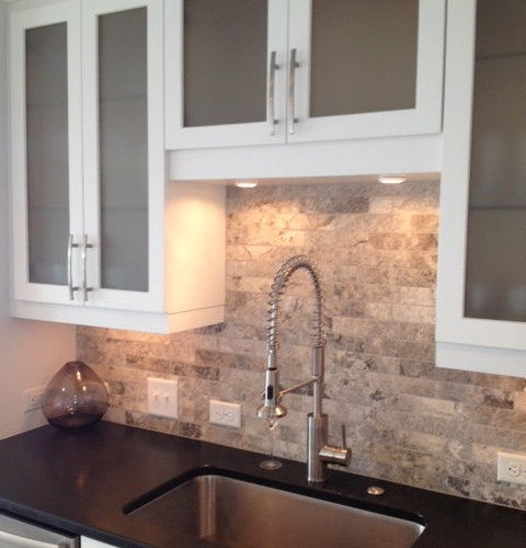 Travertine tile backsplash ideas pictures remodel and decor - Backsplash designs travertine ...