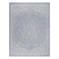 Vaux Traditional Medallion Gray Rectangle Area Rug, 5'x7'