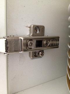 Gaps between kitchen cabinet doors