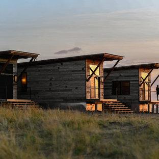 Свежая идея для дизайна: дом из контейнеров в стиле рустика - отличное фото интерьера
