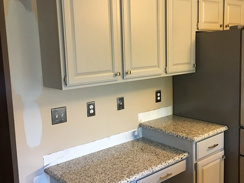 Seem To Be Struggling Find A Wall Paint Color Thinking About Lighter Grey Then Cabinets But Don T Want Anything Look Blue Like Some