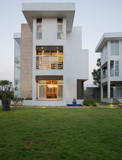 Contemporary Exterior by The BNK Group