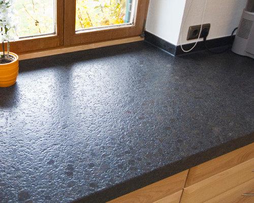Kuche mit arbeitsplatte aus naturstein for Küche sideboard mit arbeitsplatte