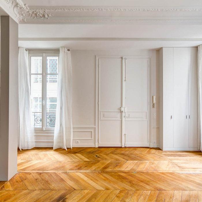 Un appartement Haussmanien féminin et chic