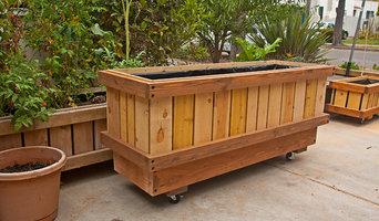 """Pedestal Planters ( 2x6' x 32"""")"""