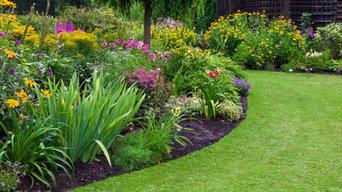 Gartenanlagen mit Natursteinmauern