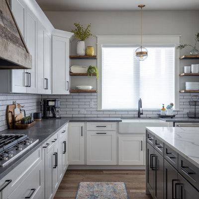 Example of a farmhouse kitchen design in Denver