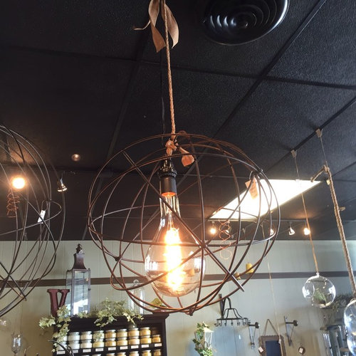 I M Desperately Trying To Find Large Oversized Edison Bulb 100 Watt Rox 13 Long And 5 1 2 Diam Please See Photo