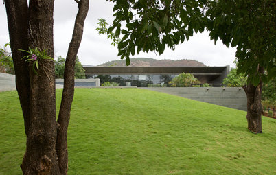 Houzz Tour: A Context-Sensitive Weekend Home Near Mumbai