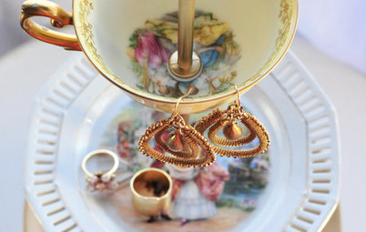Create a Pretty Jewelry Stand From Vintage China