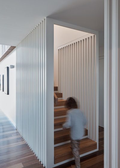 Contemporary Staircase by Justin Humphrey Architect