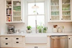 Pros and Cons of Farmhouse sink vs. undermount sink in kitchen