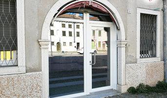 Montagggio vetrina e finestre QFort