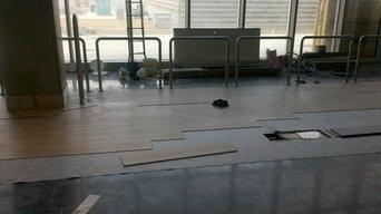 Instalación  de parquet de vinilo en el aeropuerto de las Palmas