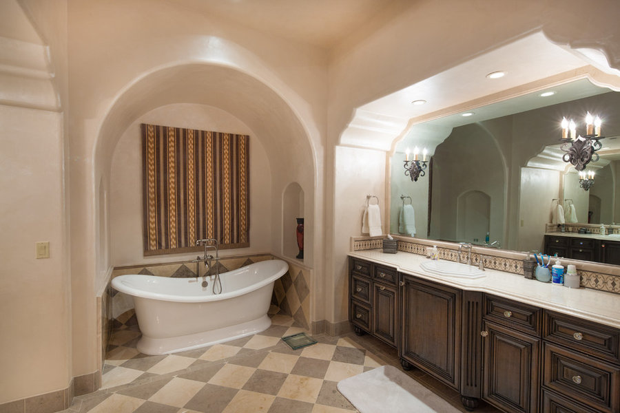 Bathrooms by Argue Custom Homes