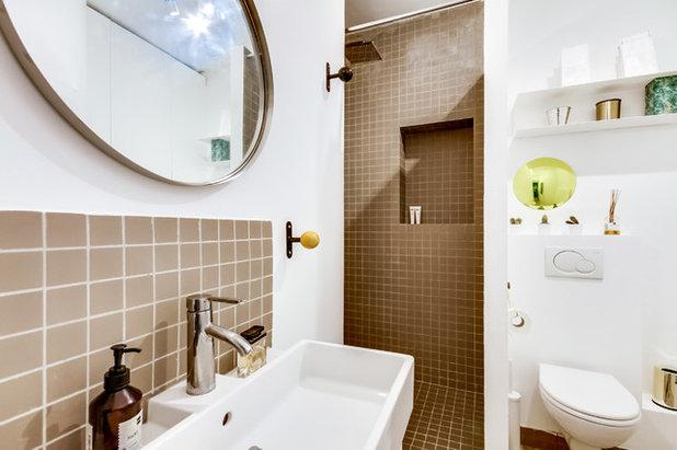 Современный Ванная комната by June