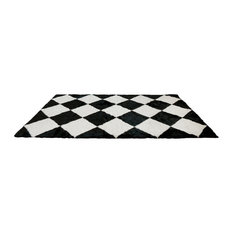 Best Home Fashion   Wild Mannered Checkered Faux Fur Accent Rug, Black And  White