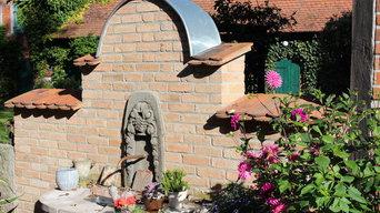 Innenhof - Brunnen in der Hofeinfahrt