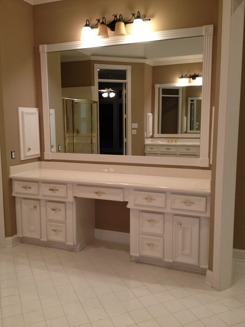 Master bathroom with his and hers closets for Master bathroom his and hers