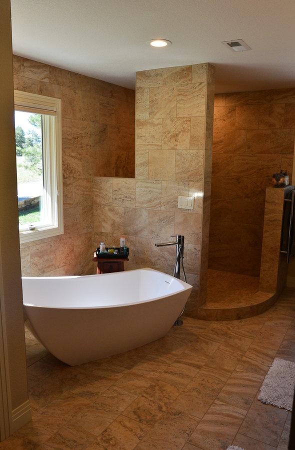Lyons Master bath