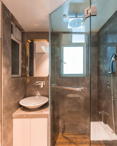 Eclectic Bathroom by Anushka Contractor