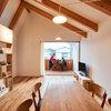My Houzz:バルコニーとリビングをひとつにした、積み木のような家《オケハウス》