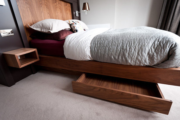 Contemporary Bedroom by Moon Architect and Builder