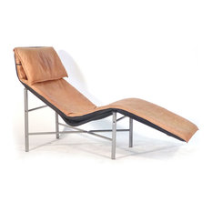 Late 20th century tan chaise