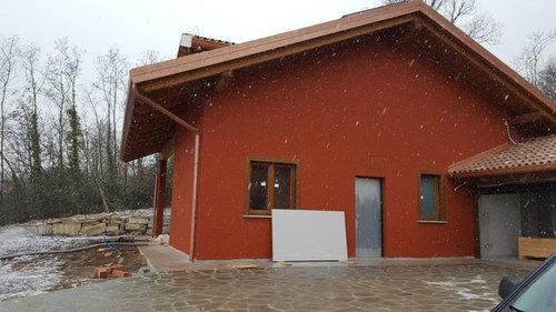 Esterno Di Una Casa : Aiuto per lo zoccolo esterno della casa