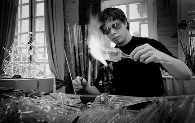 Portrait d'artisan : Secrets et merveilles de la verrerie d'art
