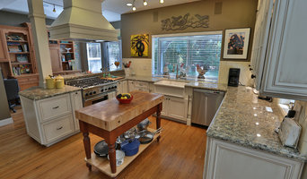Warm Traditional Kitchen