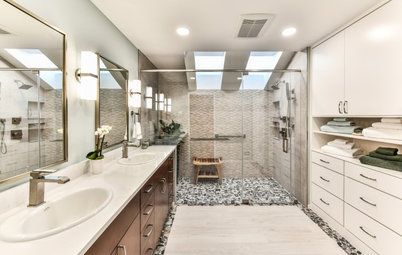 Bathroom of the Week: Large Curbless Shower Bathed in Sunshine