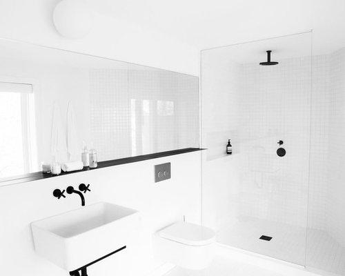 salles de bains et wc scandinaves avec une douche d 39 angle photos et id es d co de salles de. Black Bedroom Furniture Sets. Home Design Ideas